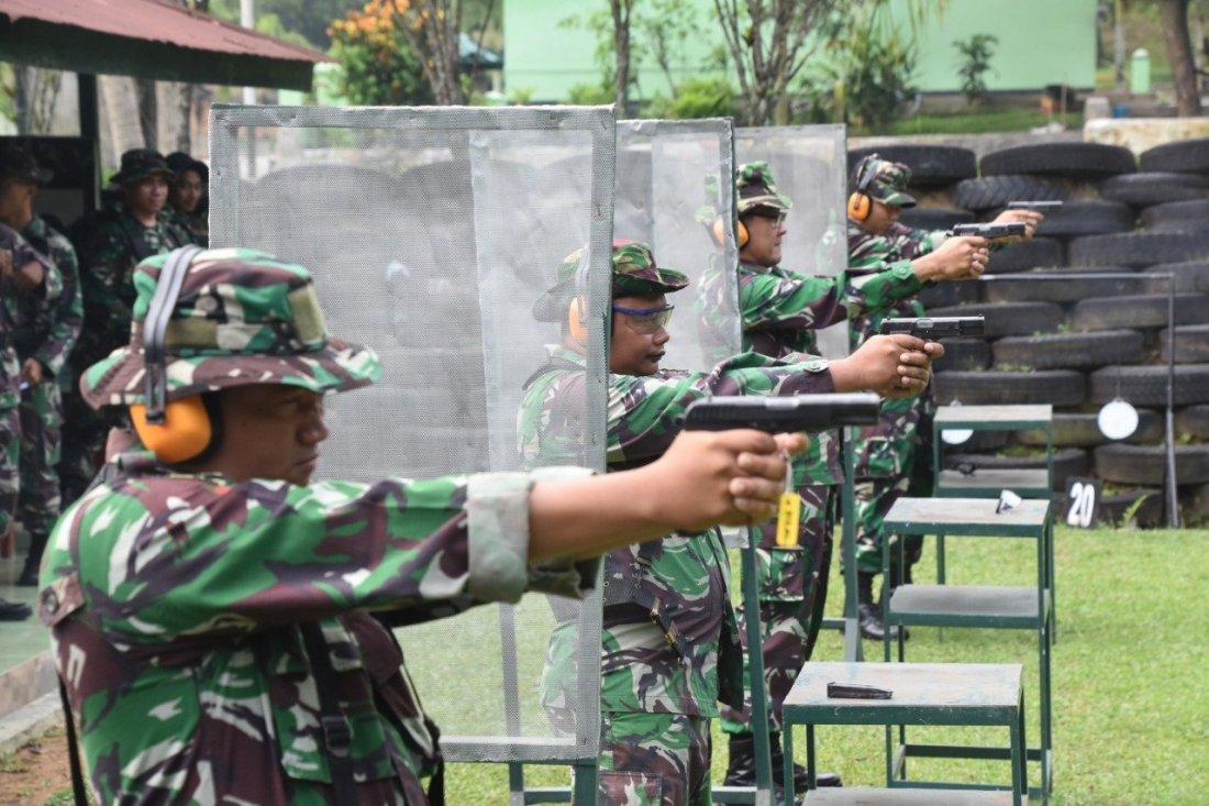 Prajurit Korem 091/ASN Asah Naluri Menembak Dengan Latbakjatri