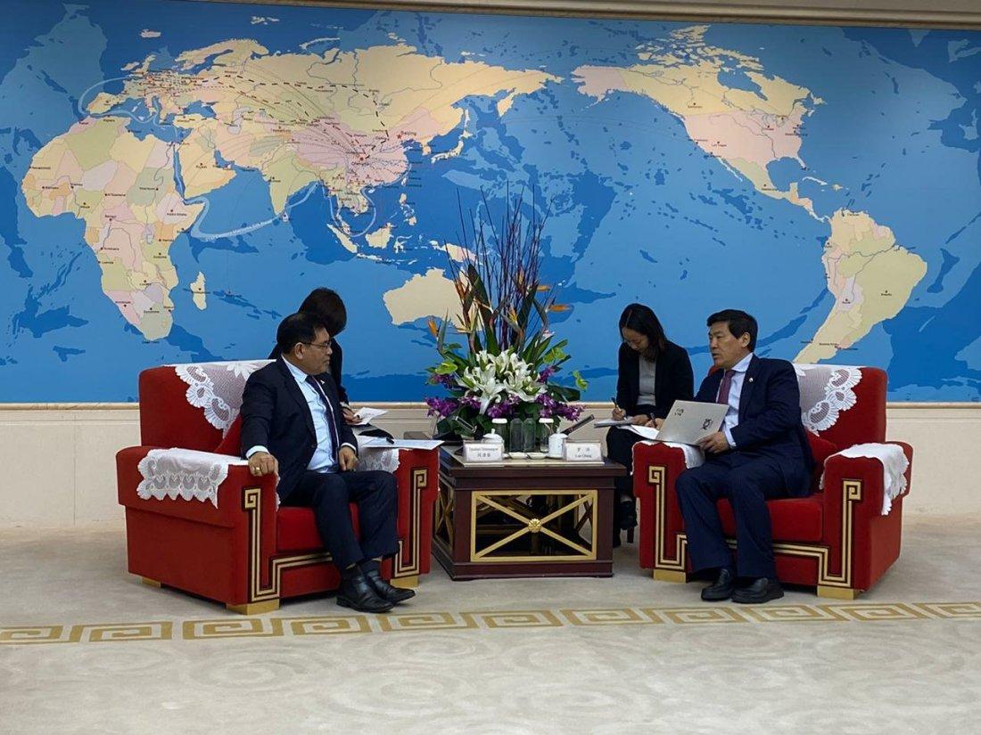 Djauhari Oratmangun Promosi Wonderful Indonesia di Forum Bisnis Chongqing
