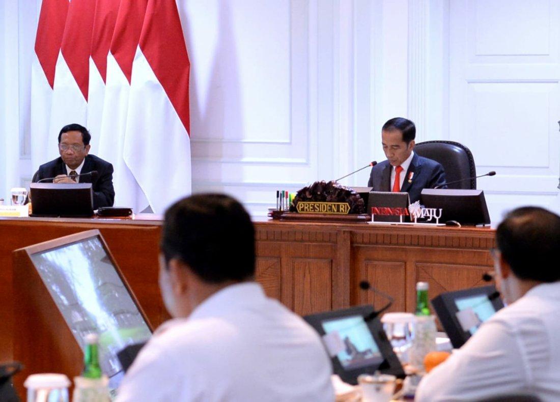 Jokowi Pimpin Rapat Terbatas Persiapan Natal dan Tahun Baru