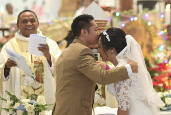 Petrus Fatlolon Rayakan Pernikahan Anak di Bali