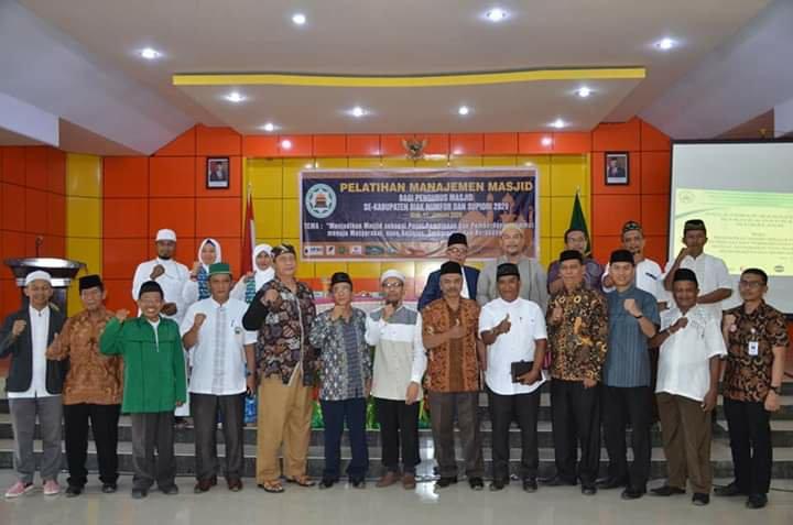 Ratusan Pengurus Masjid di Biak Numfor dan Supiori Ikut Pelatihan di Aula IISIP YAPIS