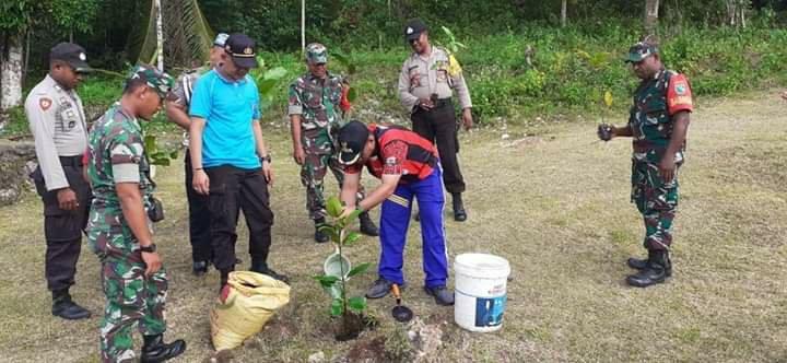 Yohanes Ayer Ikut Aksi Penanaman Pohon Hari Lingkungan Hidup