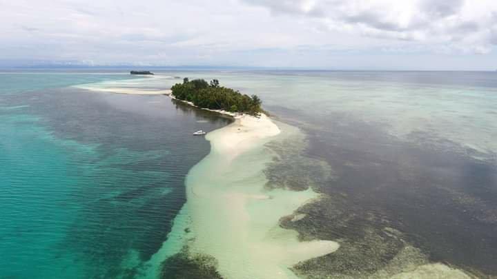 Markus Mansnembra Ajak Masyarakat Biak Promosi Pulau Urbi di Padaido