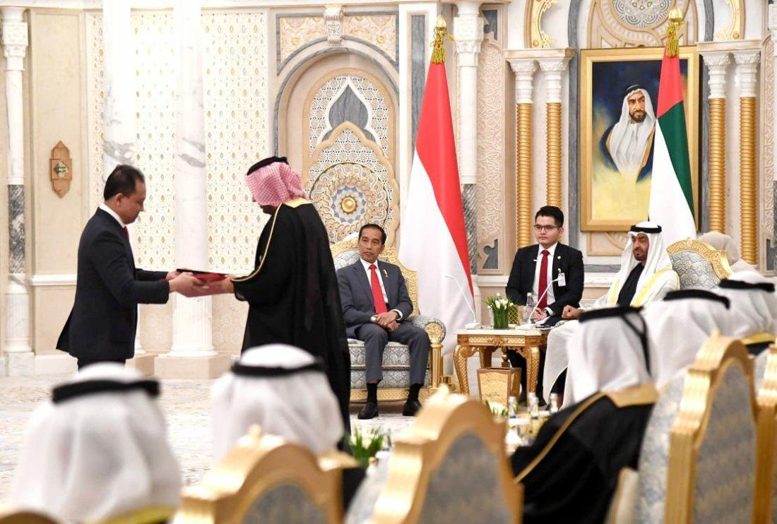 Jokowi Disambut Upacara Kenegaraan di Abu Dhabi