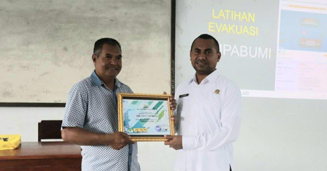 Stasiun Geofisika Saumlaki Gelar 'BMKG Goes to School' di SMP St. Andreas Lauran