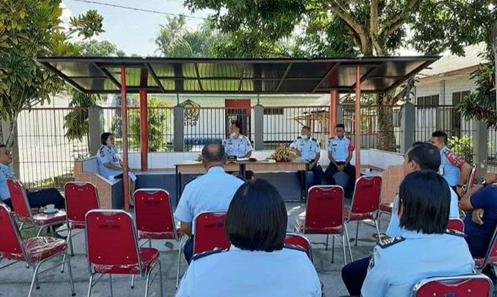 Saiful Sahri Lakukan Rapat Outdoor Evaluasi Kinerja Lapas Kelas IIA Ambon