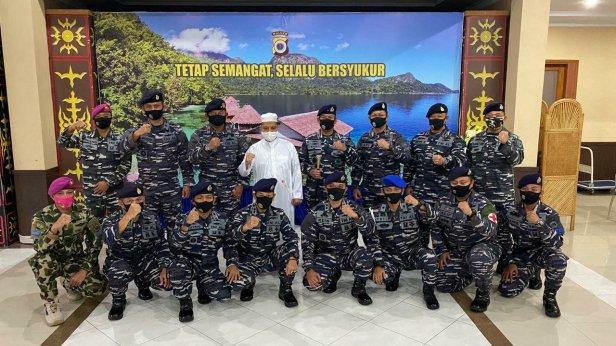 Baharudin Djafar Dapat Surprise Bhayangkara Ke-74 Danlantamal IX dan Guspurla Koarmada III