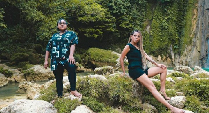 Nowela Auparay dan Joan Wakum Cover Lagu Sa Bukan Dewa dan Man Down